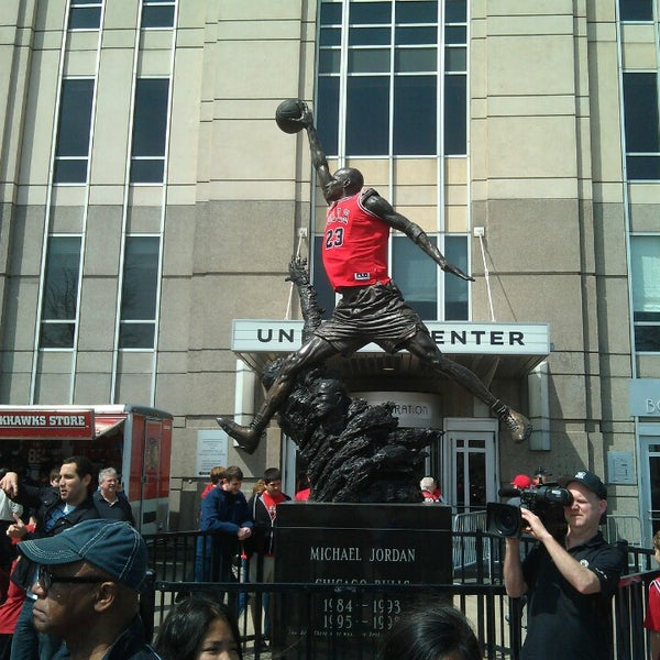 รูปภาพถ่ายที่ United Center โดย Corbin B. เมื่อ 4/27/2013