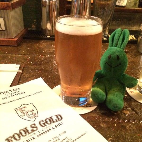 7/4/2014 tarihinde greenie m.ziyaretçi tarafından Fools Gold NYC'de çekilen fotoğraf