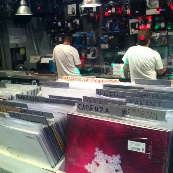 9/19/2013에 Sergei K.님이 Baza Record Shop에서 찍은 사진