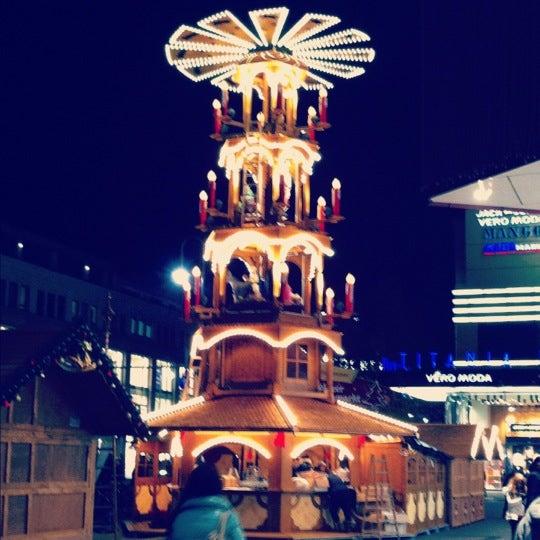 Foto tirada no(a) Forum Steglitz por Romina em 11/23/2012