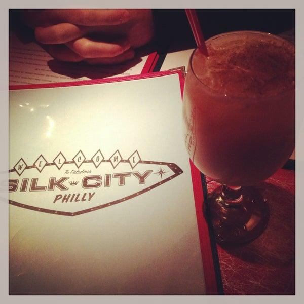Снимок сделан в Silk City Diner Bar & Lounge пользователем Christine V. 4/28/2013
