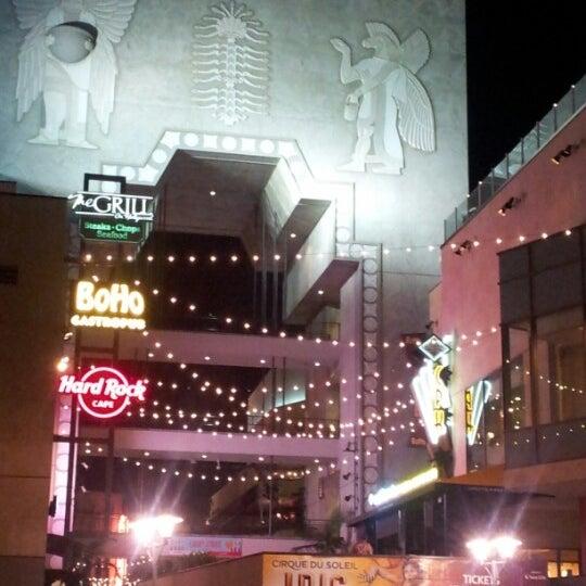 รูปภาพถ่ายที่ Hollywood & Highland Center โดย Barry M. เมื่อ 8/10/2012