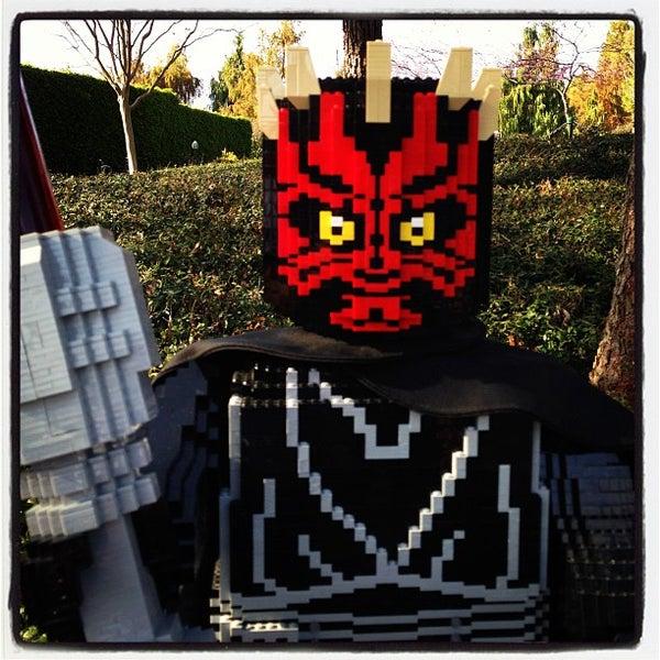 Foto tirada no(a) Legoland California por Ricardo G. em 3/24/2013