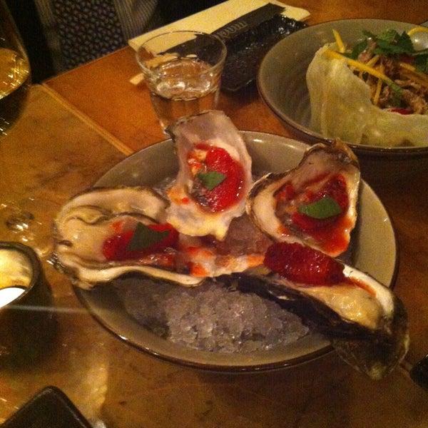 Das Foto wurde bei Mochi Restaurant von Alper Y. am 3/13/2013 aufgenommen