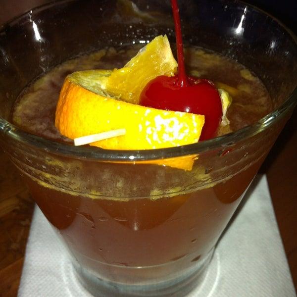 Das Foto wurde bei Uptown Tavern von Kirk am 2/16/2013 aufgenommen