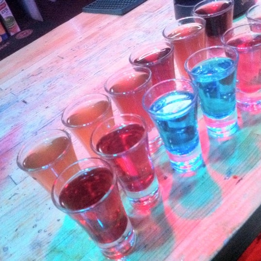 Foto scattata a Lomonosov Bar da Vovlandi X. il 12/20/2012