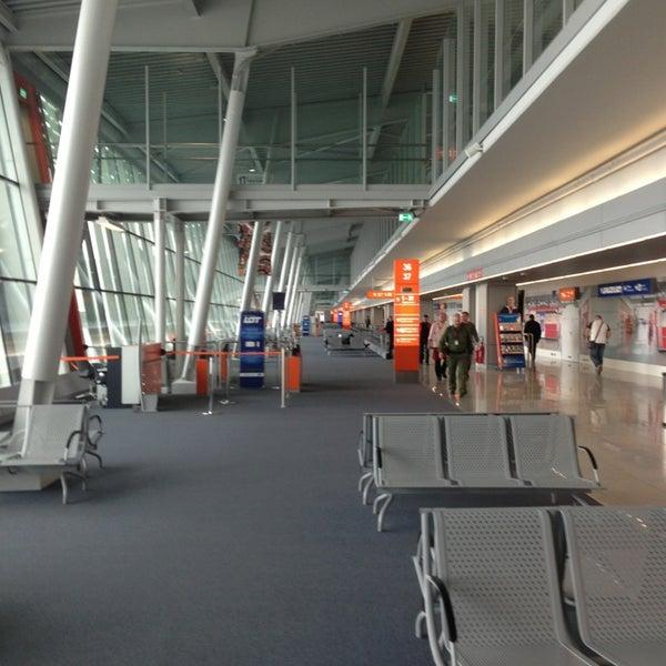 3/9/2013에 Maximilian Z. L.님이 바르샤바 쇼팽 공항 (WAW)에서 찍은 사진