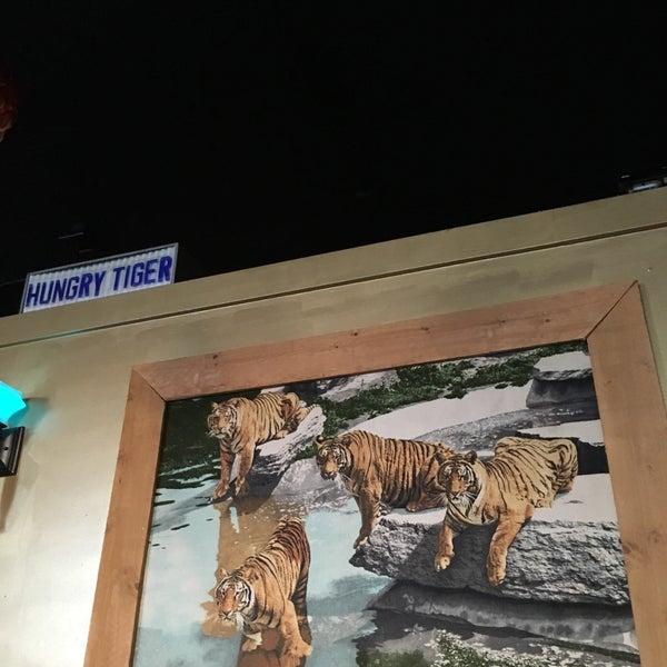 Снимок сделан в Hungry Tiger пользователем Jane P. 5/12/2016