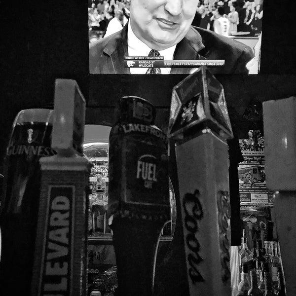 รูปภาพถ่ายที่ Lottie's Pub โดย Bruno P. เมื่อ 3/19/2018