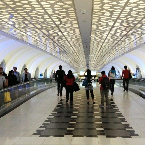 Photo prise au Abu Dhabi International Airport (AUH) par Tin R. le5/31/2013