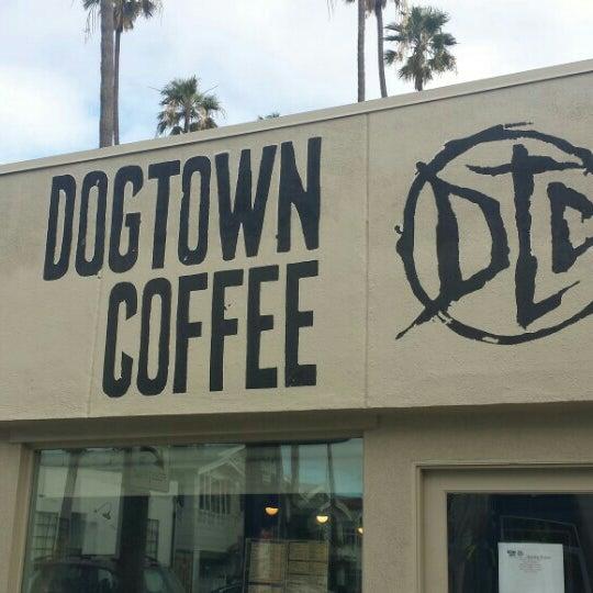 Foto tirada no(a) Dogtown Coffee por Brett V. em 12/28/2015