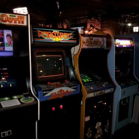 Снимок сделан в Headquarters Beercade пользователем Gene G. 10/11/2012