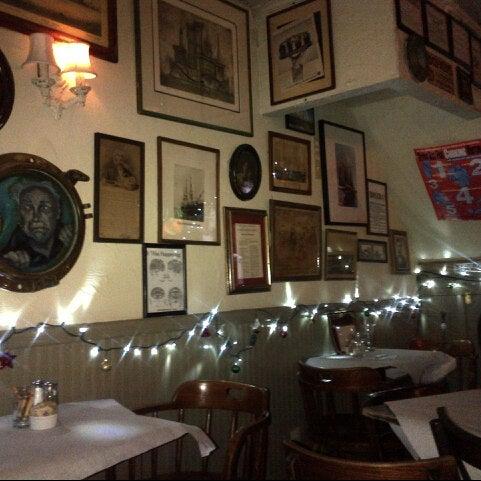 12/21/2012にValerie F.がEar Innで撮った写真