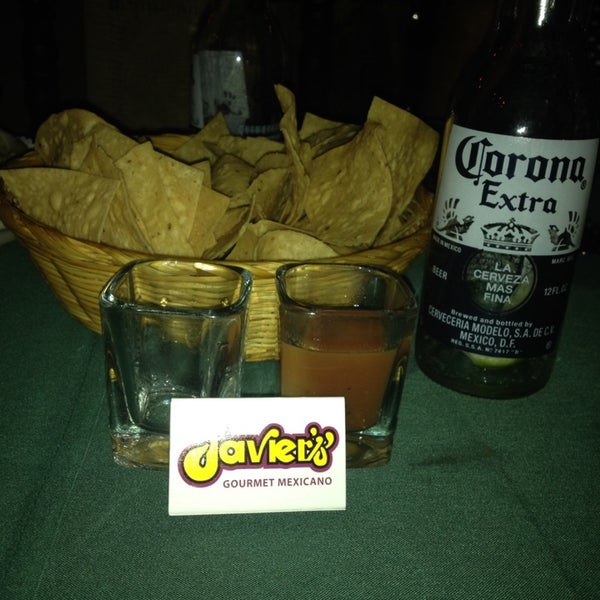 Foto tirada no(a) Javier's Gourmet Mexicano por Kathy H. em 10/11/2013