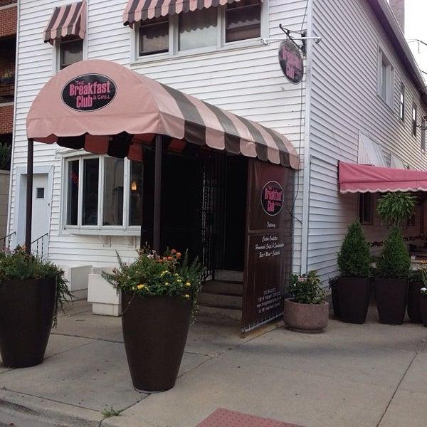 9/13/2013에 Blunt R.님이 The Breakfast Club & Grill에서 찍은 사진