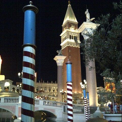 Foto tirada no(a) Venetian Resort & Casino por @VegasBiLL em 6/10/2013
