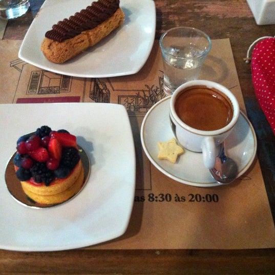 รูปภาพถ่ายที่ Julice Boulangère โดย Cintia B. เมื่อ 10/13/2012