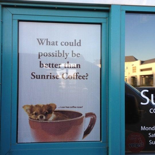 Снимок сделан в Sunrise Coffee пользователем scott s. 9/28/2012