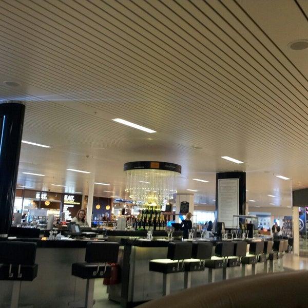 Das Foto wurde bei Edinburgh Airport (EDI) von Алексей Е. am 5/4/2013 aufgenommen