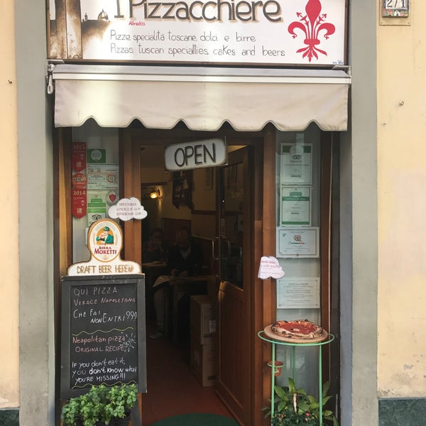 Photo taken at I' Pizzacchiere by Nico T. on 3/10/2017
