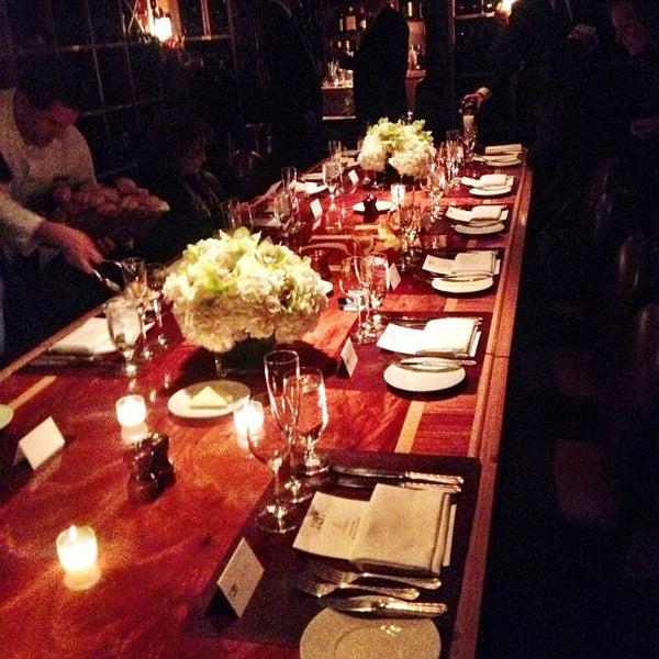 11/30/2012 tarihinde Carlos M.ziyaretçi tarafından 21 Club'de çekilen fotoğraf