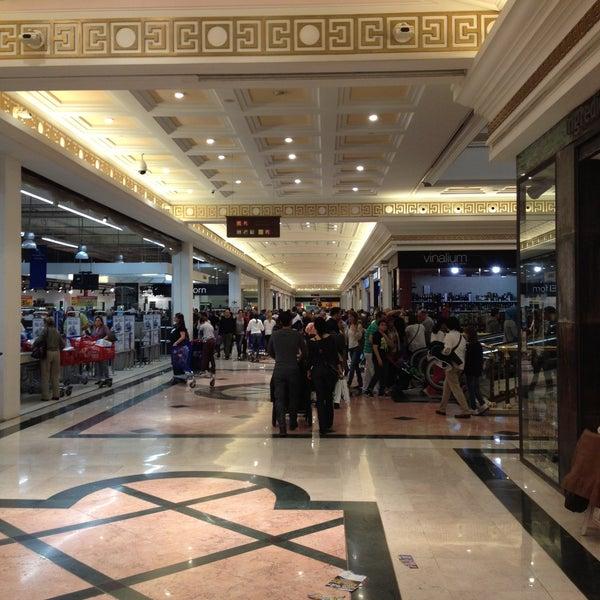 Foto tomada en Centro Comercial Gran Vía 2 por Rebeca M. el 4/13/2013
