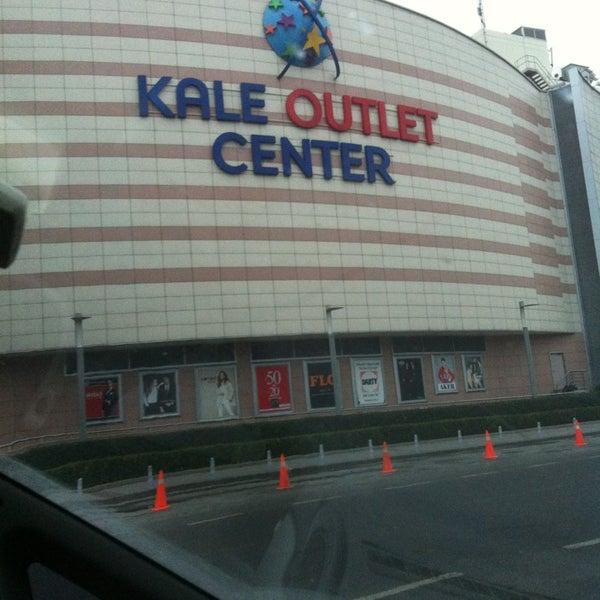 Foto scattata a Kale Outlet Center da rivootil il 12/22/2012