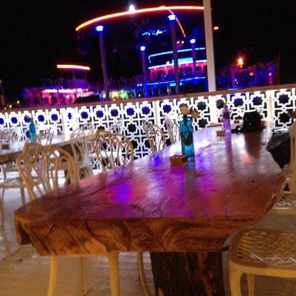 7/1/2013 tarihinde Oğuz T.ziyaretçi tarafından Club Catamaran'de çekilen fotoğraf
