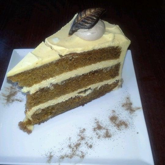 Foto tomada en Heaven Sent Desserts por Trini M. el 11/21/2012