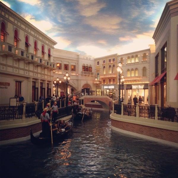 Foto tirada no(a) Venetian Resort & Casino por Ilya S. em 10/2/2013