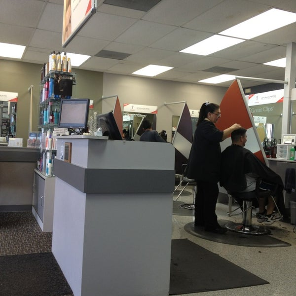 Great clips on bandera