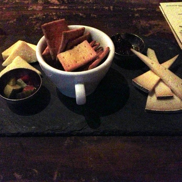 7/12/2013에 Katie님이 Beecher's Handmade Cheese에서 찍은 사진