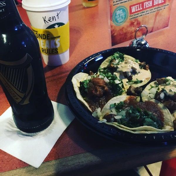 Foto diambil di San Jose Bar & Grill oleh Kento T. pada 2/4/2018