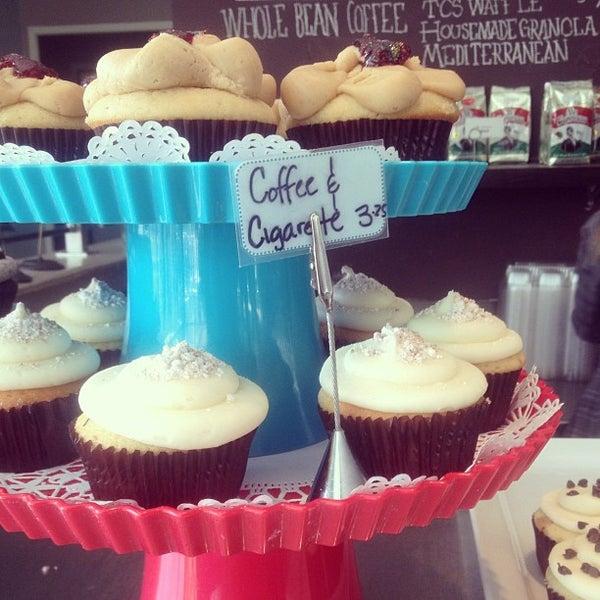 Das Foto wurde bei The Coffee Shop at Agritopia von dawn b. am 4/6/2013 aufgenommen