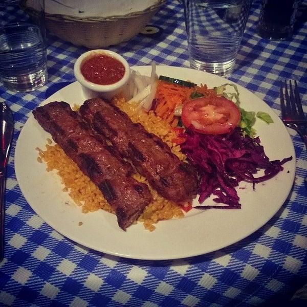 3/9/2014에 Anderson S.님이 Anatolia Restaurant에서 찍은 사진