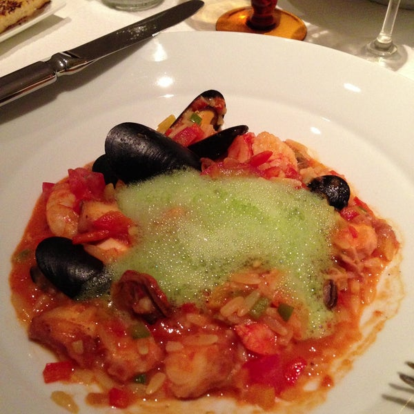 Foto tirada no(a) MIMO Restaurante por Reano D. em 5/5/2013