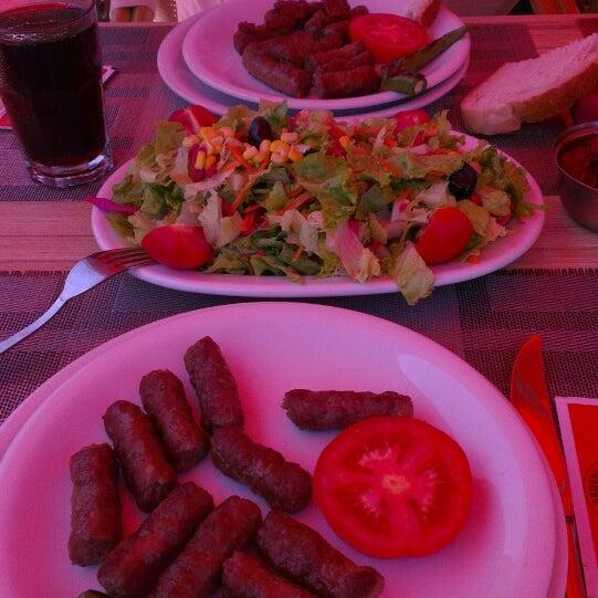 6/11/2013にMurat G.がİki Kardeşler Kasap & Mangalda Etで撮った写真