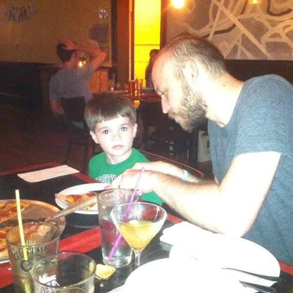 Foto tomada en Radius Pizza por Ann G. el 10/3/2013