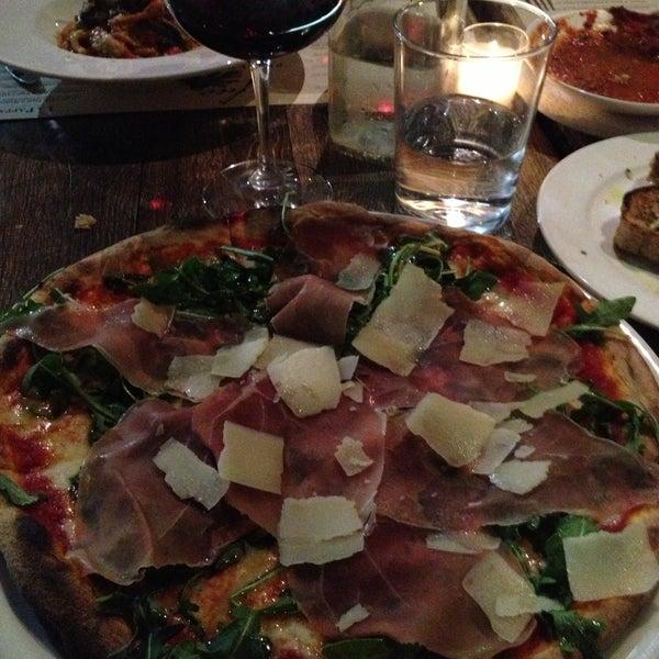 Foto scattata a Pizzeria Il Fico da Prince V. il 5/4/2013