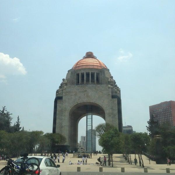 Foto tomada en Monumento a la Revolución Mexicana por Erik C. el 4/28/2013