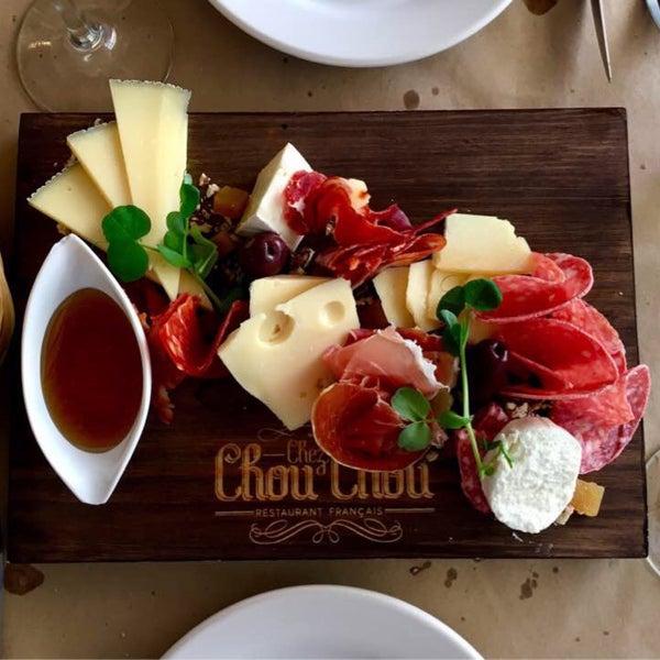 Foto diambil di Chez Chouchou oleh Kent pada 2/20/2017
