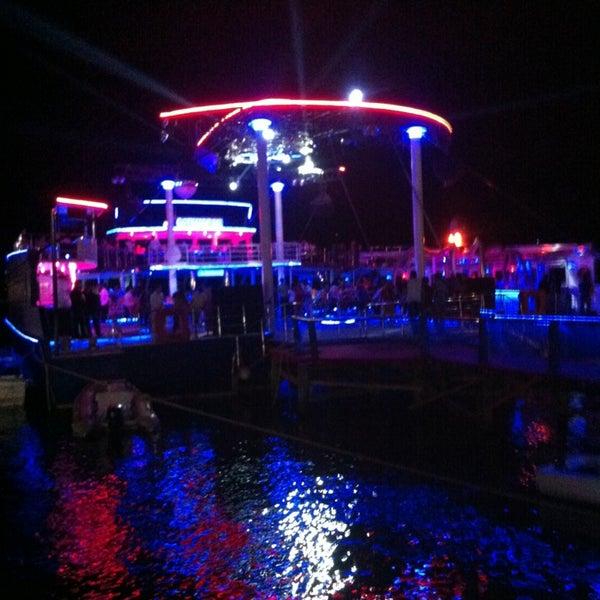 Foto scattata a Club Catamaran da Şafak Ö. il 7/2/2013