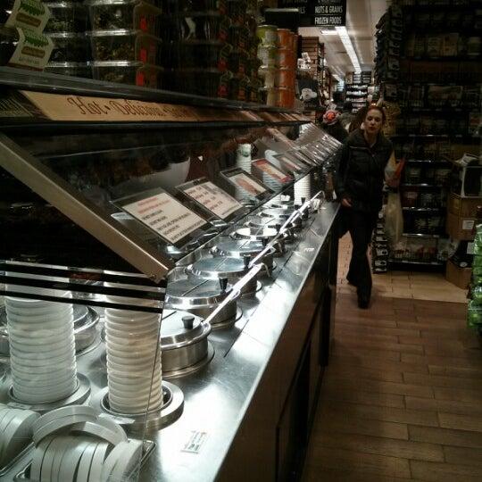 2/13/2013 tarihinde Jett G.ziyaretçi tarafından Westerly Natural Market'de çekilen fotoğraf