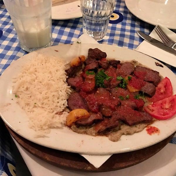 10/9/2016에 Sam S.님이 Anatolia Restaurant에서 찍은 사진