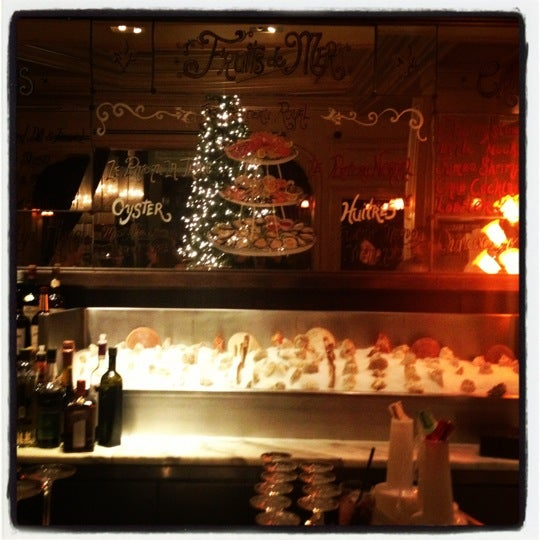Get the sumptuous $1 Blue Point oysters from 5-8 weekdays @ Millesime Oyster Bar on the Mezzanine