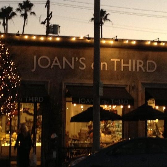 Photo prise au Joan's on Third par Peter K. le11/8/2012