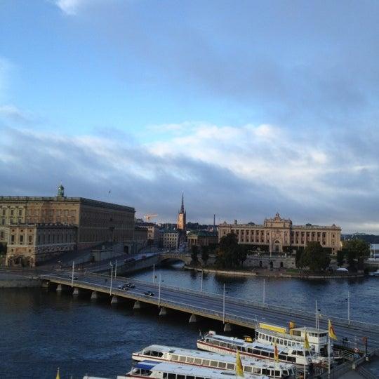 Foto tirada no(a) Grand Hôtel Stockholm por Abel R. em 9/30/2012