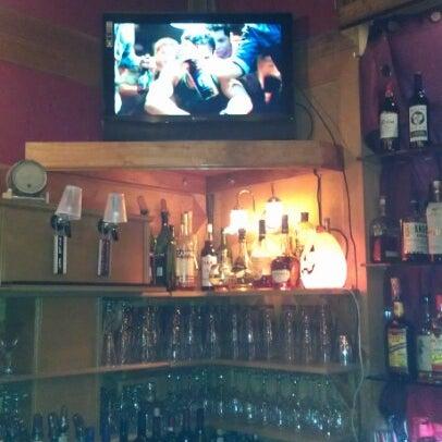 Photo prise au The Pour House par Janet M. le10/28/2012