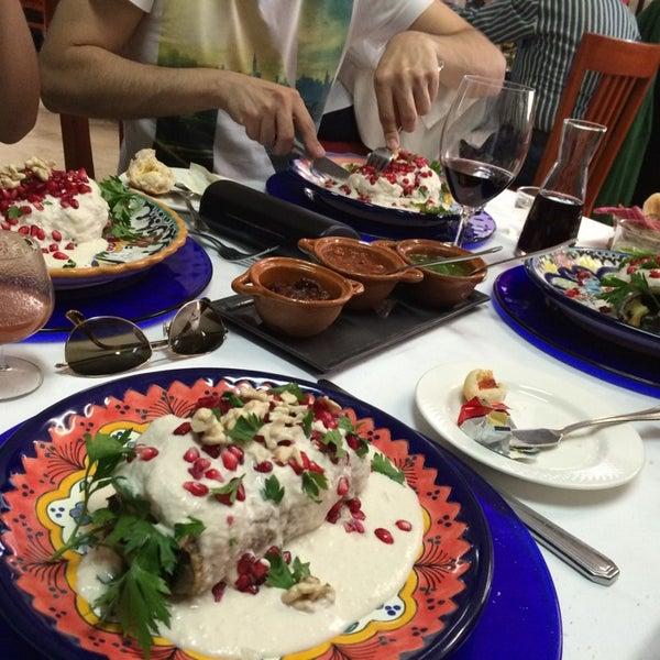 Das Foto wurde bei Restaurante Nicos von Eli B. am 8/16/2014 aufgenommen