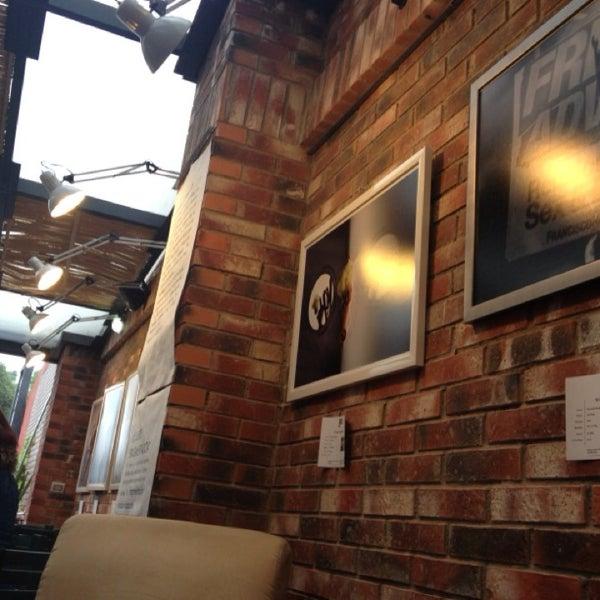 Foto diambil di Arts & Coffee Co. oleh David D. pada 6/13/2013